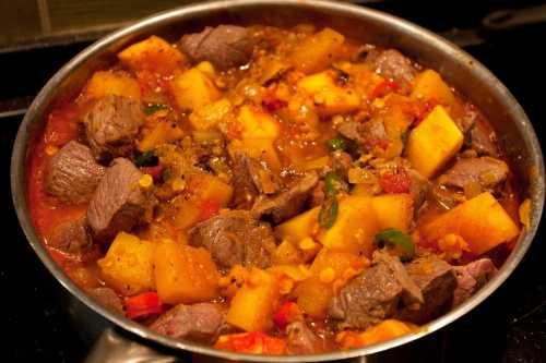 ЖАРКОЕ ИЗ БАРАНИНЫ С КАРТОШКОЙ В КАЗАНЕ вкусная и сытная домашняя еда