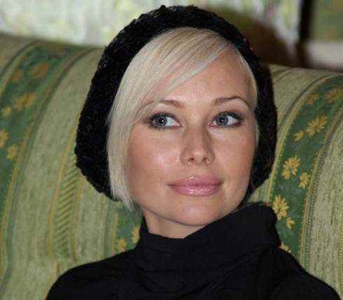 Корикова проводит отпуск с молодым спортсменом