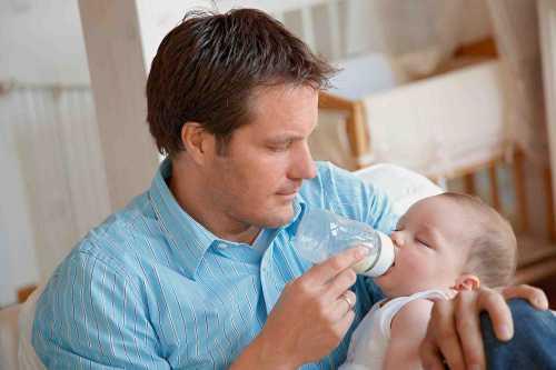 Дети, рожденные от молодых отцов, чаще имеют