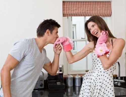 В России 58% мужей активно помогают своим женам