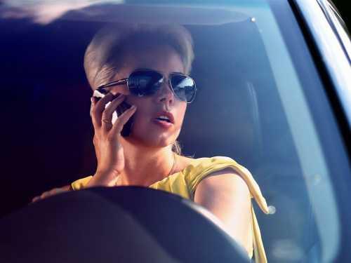 Его продолжительность минуты секунд девушка за рулём