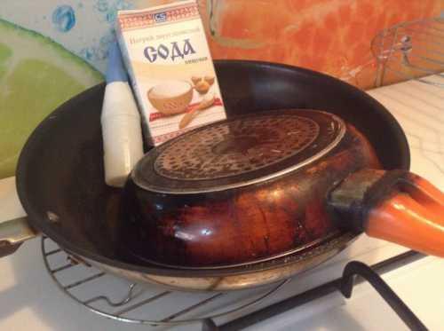 Как очистить сковороду от застарелого нагара