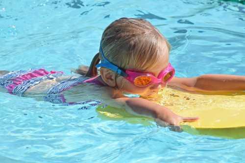 Если вы почувствовали усталость, то может переходить на брасс, либо плавание на спине, после чего круг необходимо повторить