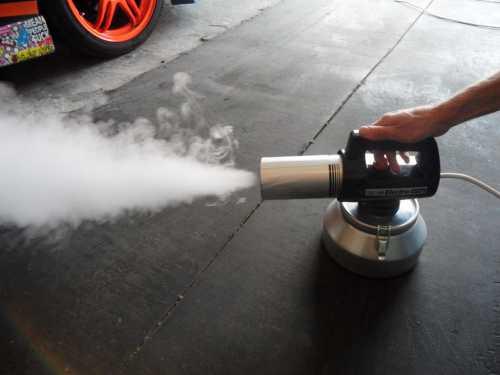 Дезодорация квартиры так же поможет избавиться от неприятного запаха плесени и сырости в нежилых помещениях или редко посещаемых квартирах и домах